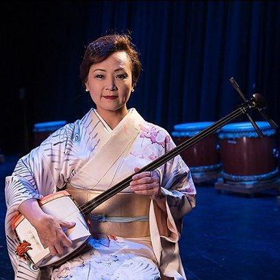 Chizuru Kineya with Shamisen
